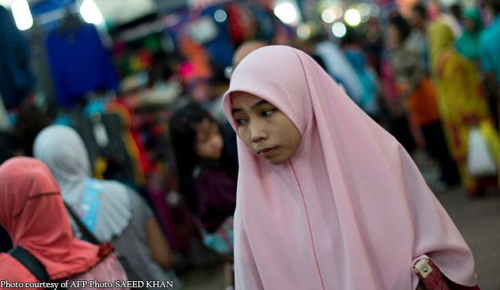 Malaysia probes talk on Muslim women giving up headscarves